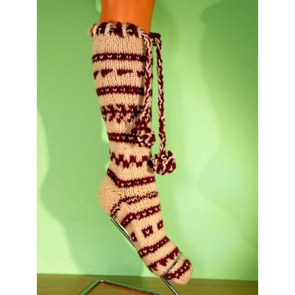 Плетени чорапи  в Бежово и червен цвят